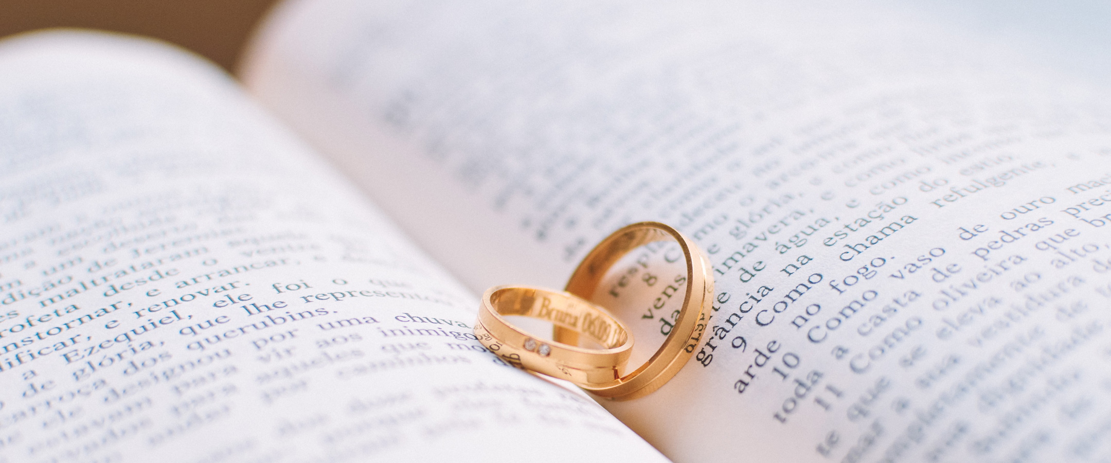 Cradle-to-Grave-Ceremonies-registered celebrant - Wedding - Handfastings and Vow Renewal photo by Caio Resende